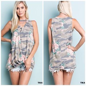 Camo flower knotted flowy choker tank size small